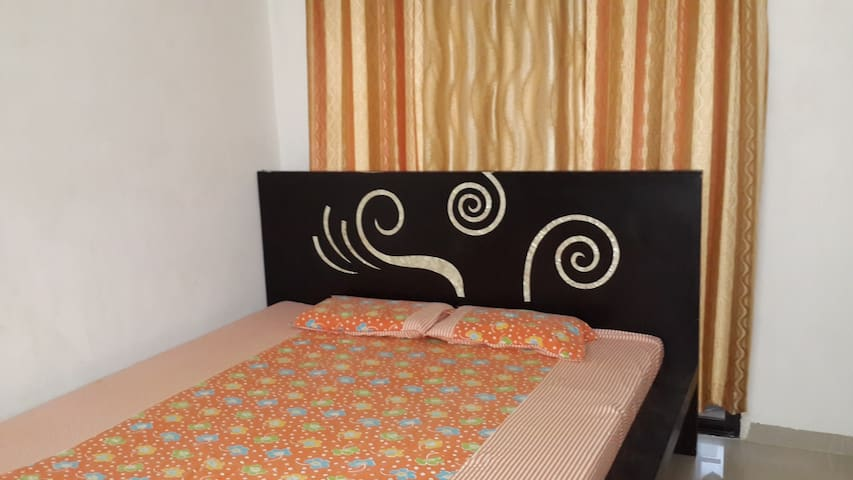 Comfortable Quiet and Convenient place! - Gandhinagar - Pis