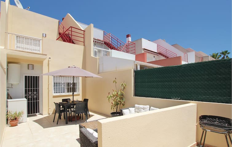 Terraced house with 3 bedrooms on 103m² in Torrevieja