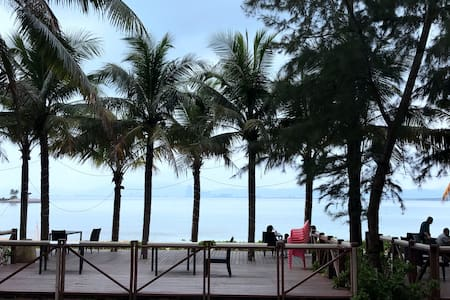 海南省三亚市海棠福湾一号的独栋别墅、距海滩最近(仅100米不到)的马尔代夫家庭式度假圣地。