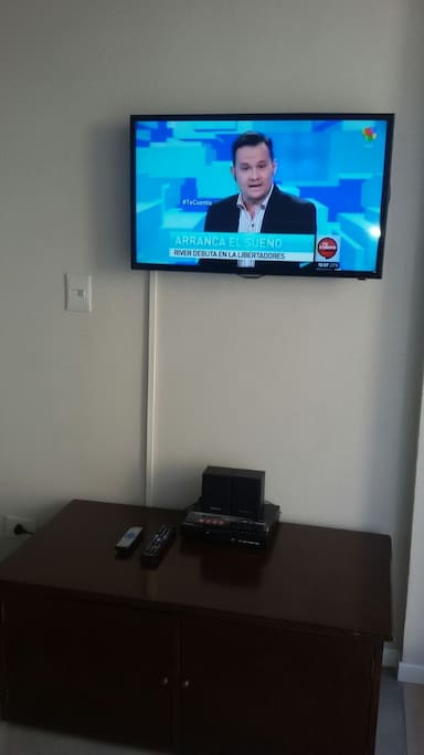 Smart TV 32´ with Home Theather