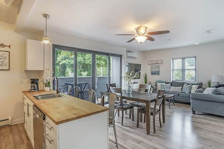 Downtown Saugatuck Condo with a Water Front View
