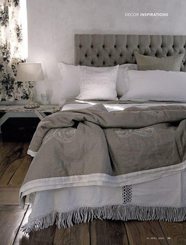 Een super de luxe springbox met topper want heerlijk slapen is het belangrijkste.        en een  eigen badkamer heeft
