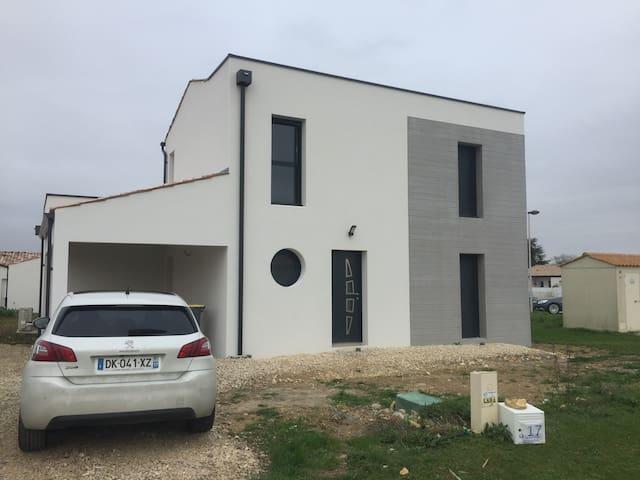 Maison moderne proche plages et La Rochelle