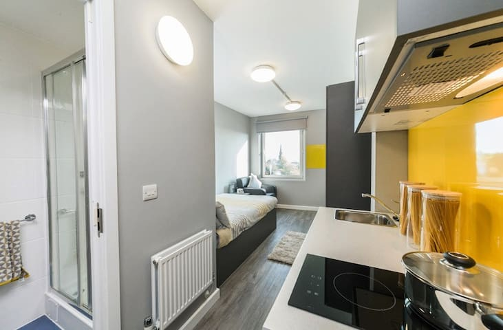 ***Awesome Studio In Newcastle Upon Tyne***