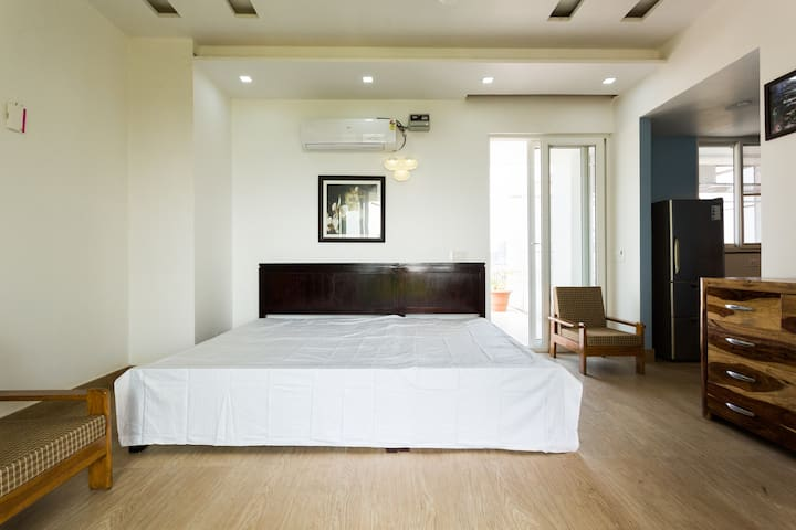 Studio Apartment with Terrace Garden - Greater Noida - Apartemen