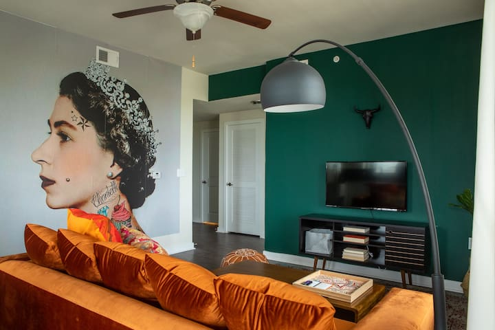 2BR South Congress Apt #2228 | Pool by WanderJaunt