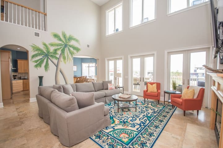 'Royal Palm' Beach Home (4 Bedroom)