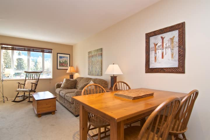 1 BR apartment in heart of Whistler
