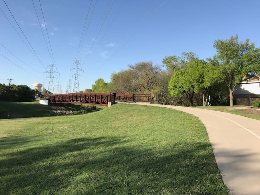 The Preston Ridge trail is about 200 feet from the apartment.