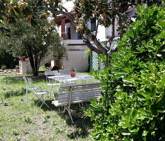 Can Jofré, casa i jardí privat prop de Tarragona.