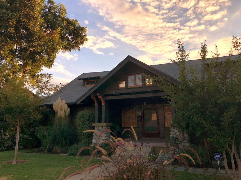 Welcome to your home away from home—a charming Craftsman bungalow in Pasadena built in 1914!