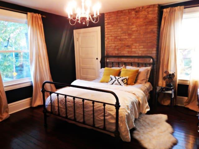 PRICE REDUCED! US Open Oakmont home - Oakmont - บ้าน