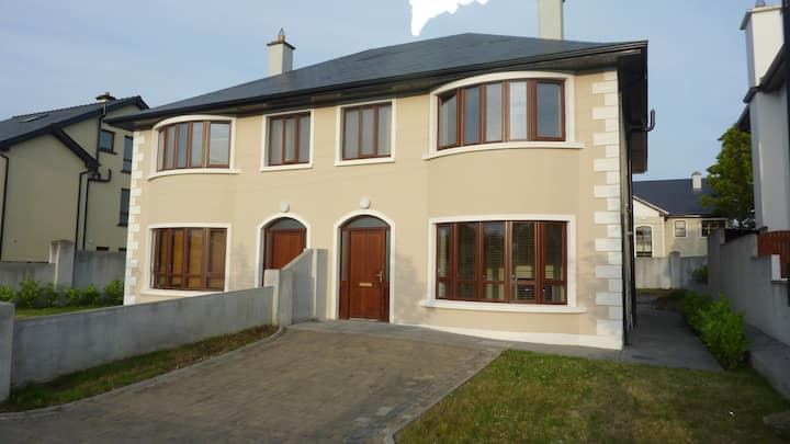 Large Modern house in Galway City Center