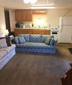 Cozy West Side Guest Suite