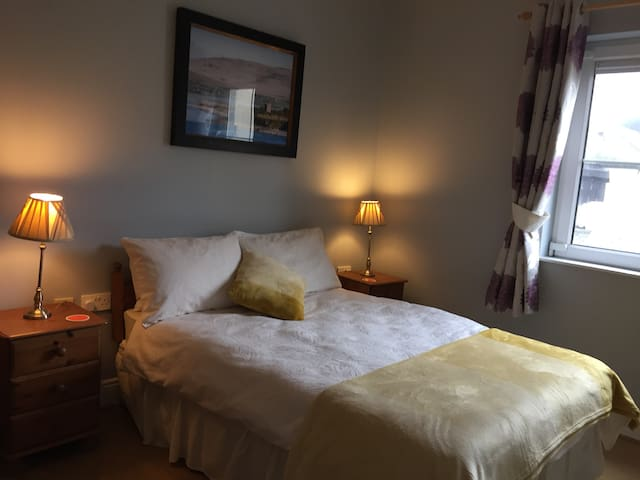 Central Location in Lahinch - Apt