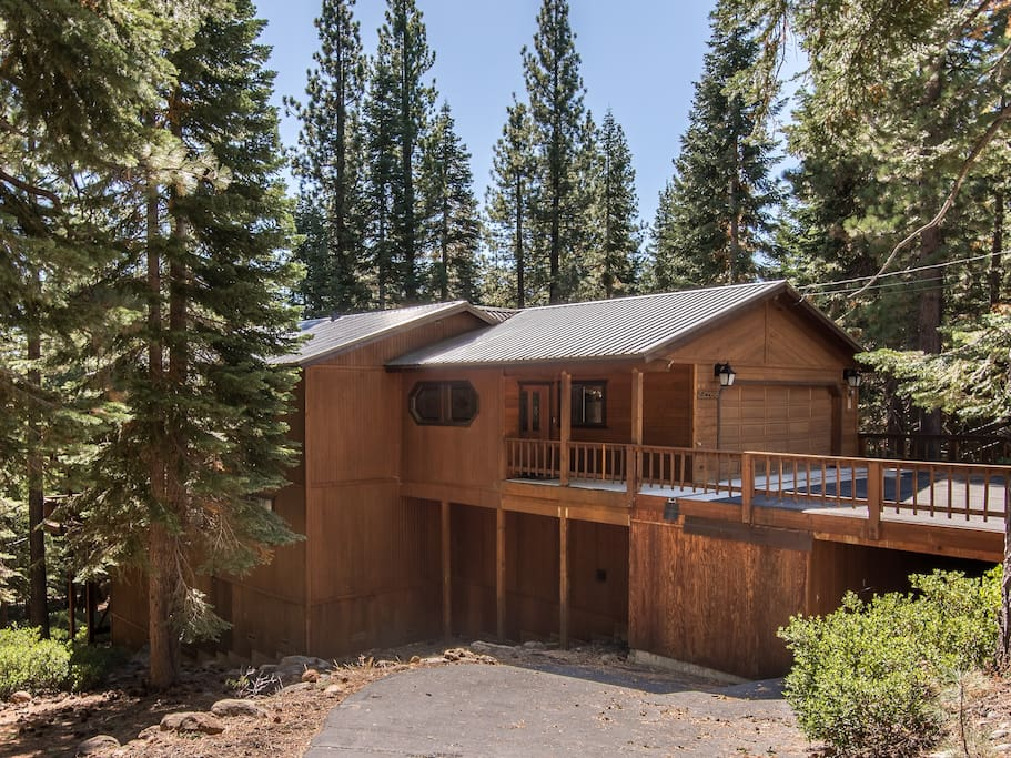 Welcome to your home in Truckee! Professionally managed by TurnKey Vacation Rentals.