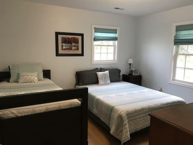 Bedroom #2 - queen bed, twin trundle.