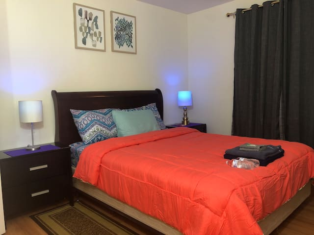GORGEOUS ROOM B2. 10Mins to PRUDENTIAL/RUTGERS/EWR