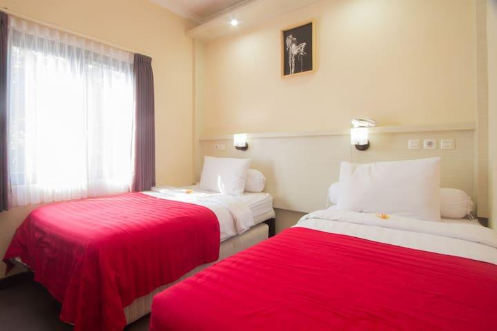 Cheap standard room with AC near Jimbaran Beach