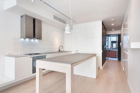 BRAND NEW apartment with modern finishes in Sydney - Waterloo