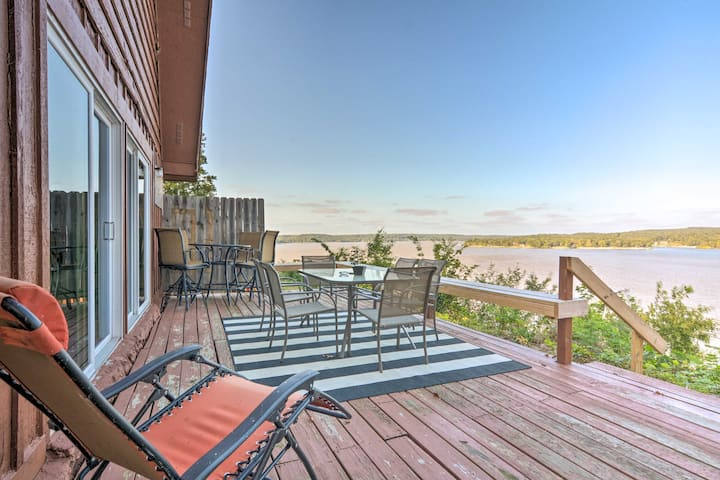 Family Cabin with Deck & Grand Lake Views!