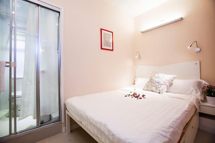 溫馨大床房Room12