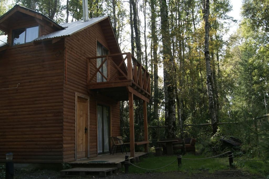 Cabaña Rukanto 2, completamente equipada con capacidad hasta 8 personas.