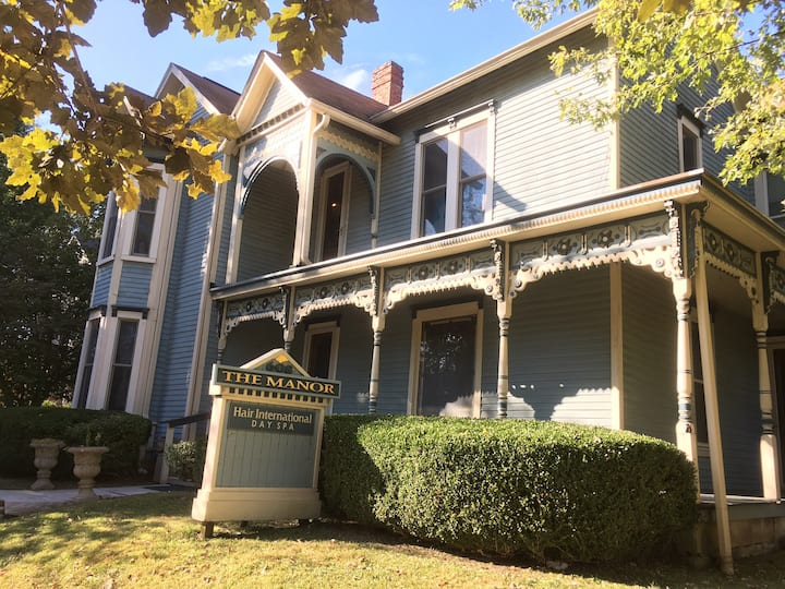 BRAND NEW HISTORIC CHARMER 4 BLOCKS FROM DOWNTOWN