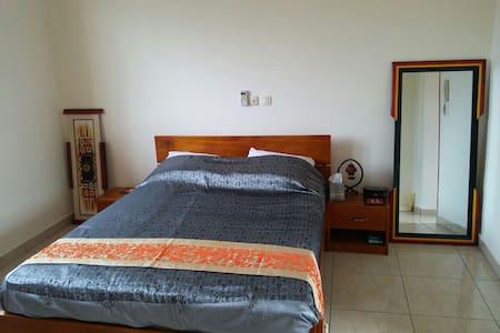 Rouge Studio - Abidjan - Appartement