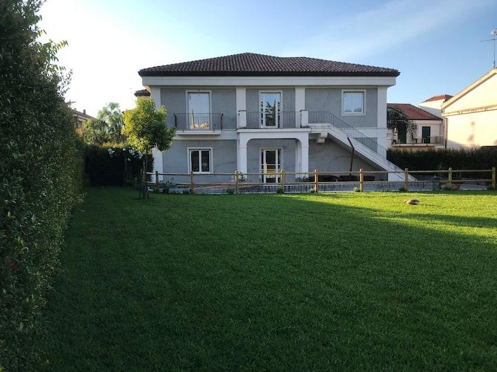 Villa Carmela, pool & garden