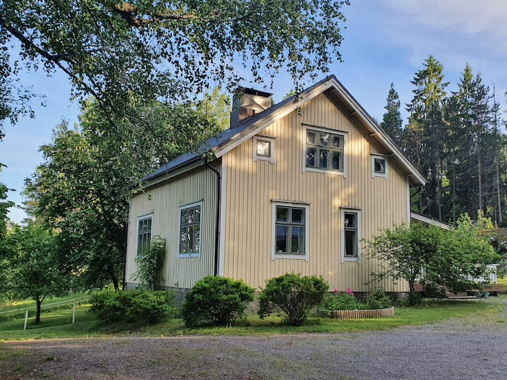 Charming room in Villa Vinkelkulla near Fiskars