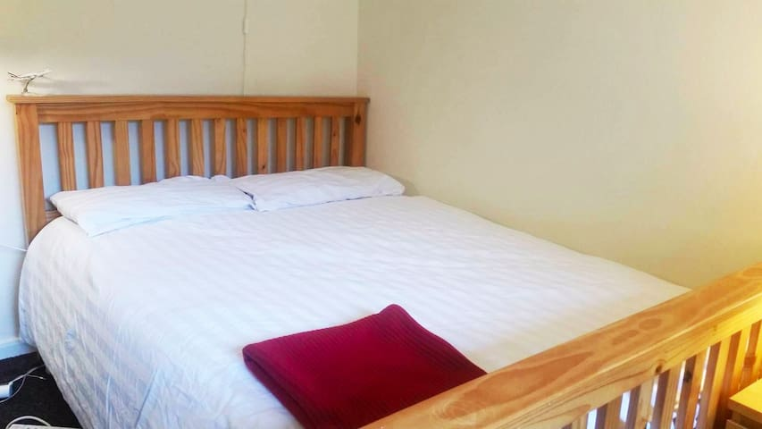 Clean and Tidy Private Double Bedroom
