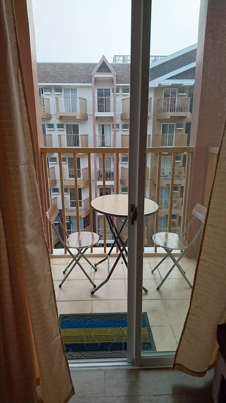 Baguio 1BR condo unit w/ balcony