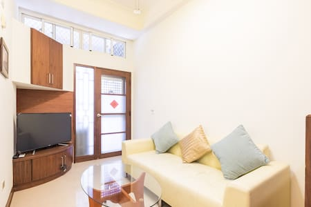 4人房 市中心 中央公園R9 4ppl room Central Kaohsiung - House