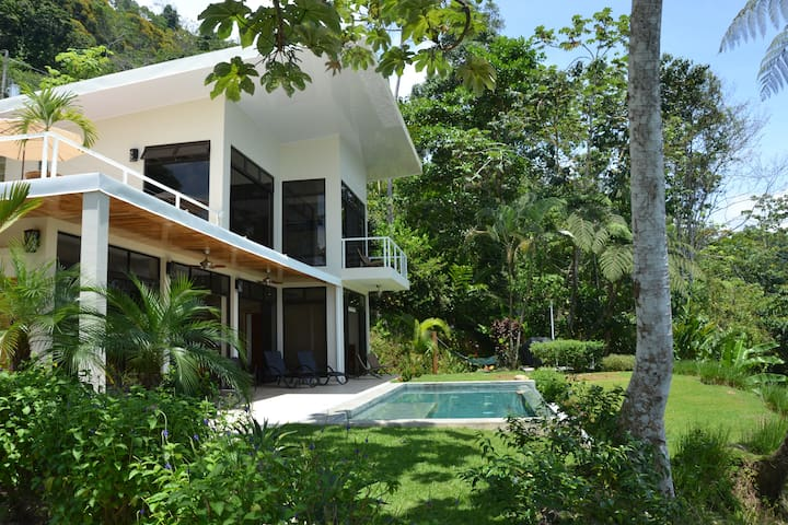 Modern Uvita Villa with 180 degree Ocean View!