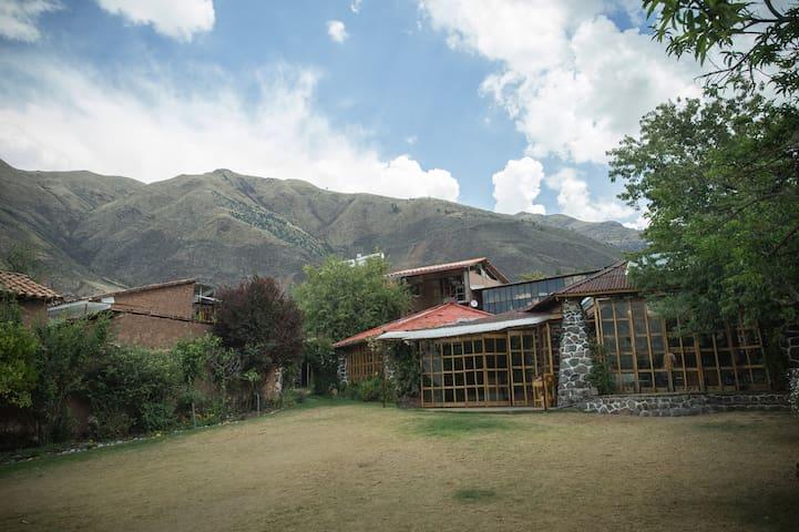 Casa Campo Andahuaylillas. Donde las montañas te envuelven...