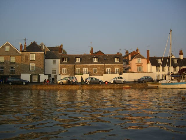 Luxury Waterside Cottage - Topsham - Rumah