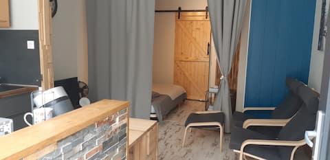 Studio neuf 3 ⭐ de plain pied, proche des Thermes.