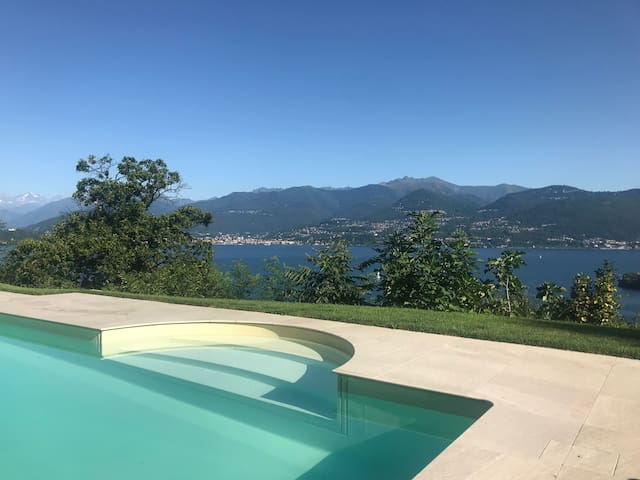 Escape to the Lake: Pool + View for Families
