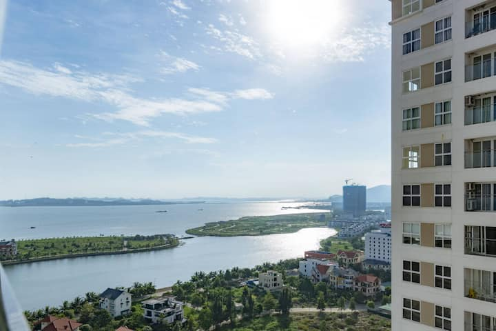 Epartel Halong, 2-bedroom apartment, bay view, balcony, living room & kitchen, lift, tour discounts - same & different decors, views, addresses - managed by Hostesk