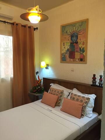 "La Villa de Kribi: ""La Lobé"" Economy Double Room - Kribi - Dům pro hosty"