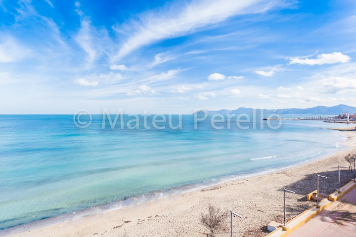 Farolas Beach: Apartment in front of the beach