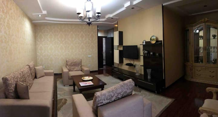 Freshly renovated beautiful and cozy. City center