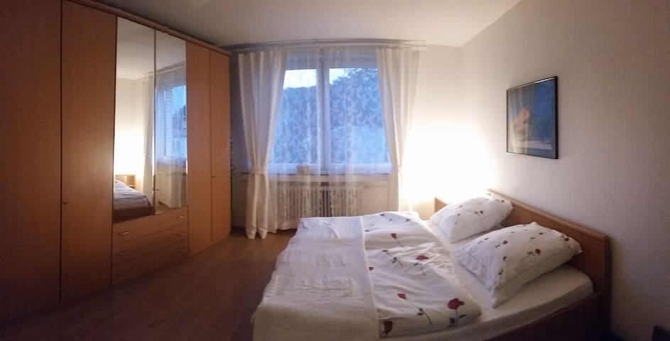 """Room """"Lousberg"""". Kingsize bed and extensive wardrobe for 4 persons."""