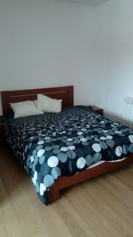 New room for 2. Near train station - Valadares