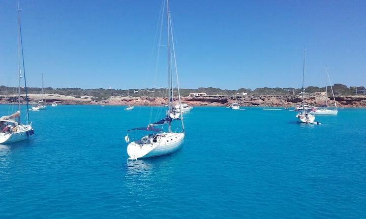 """Velero """"Marina"""" puerto de Ibiza - dormir y navegar"""