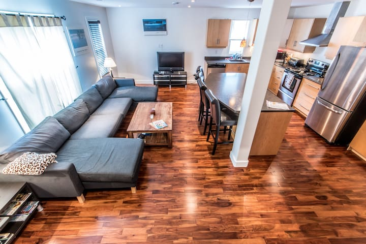 Swank Flat - Downtown St. John's. (2Bed,2-1/2Bath)