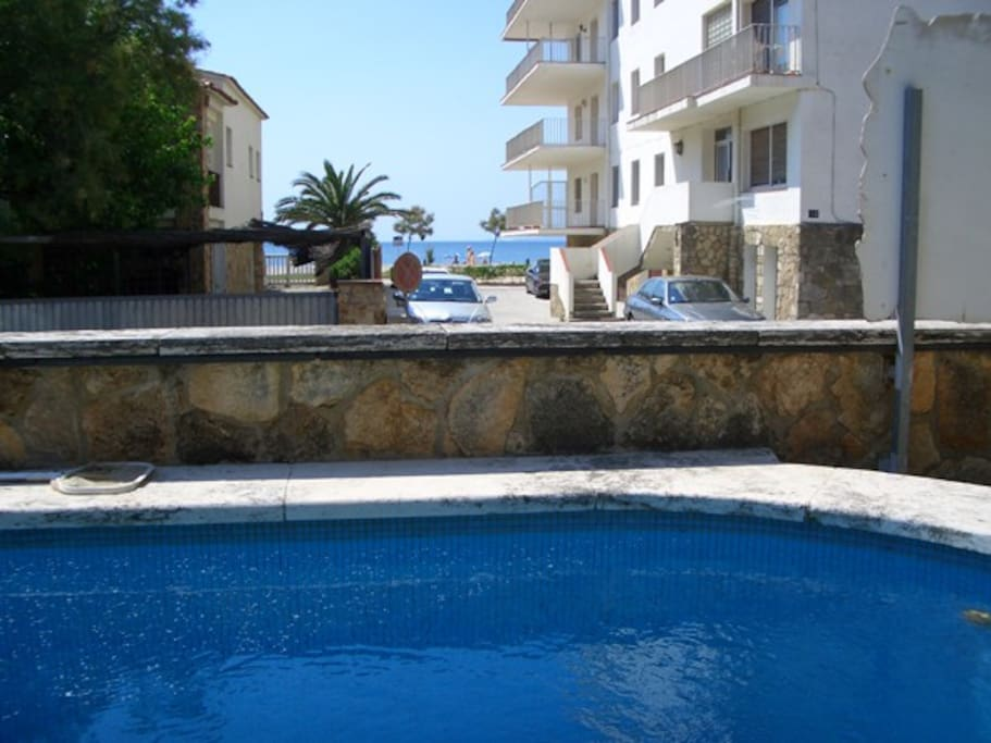 Casa con piscina a 20 m del mar houses for rent in for Piscina roses