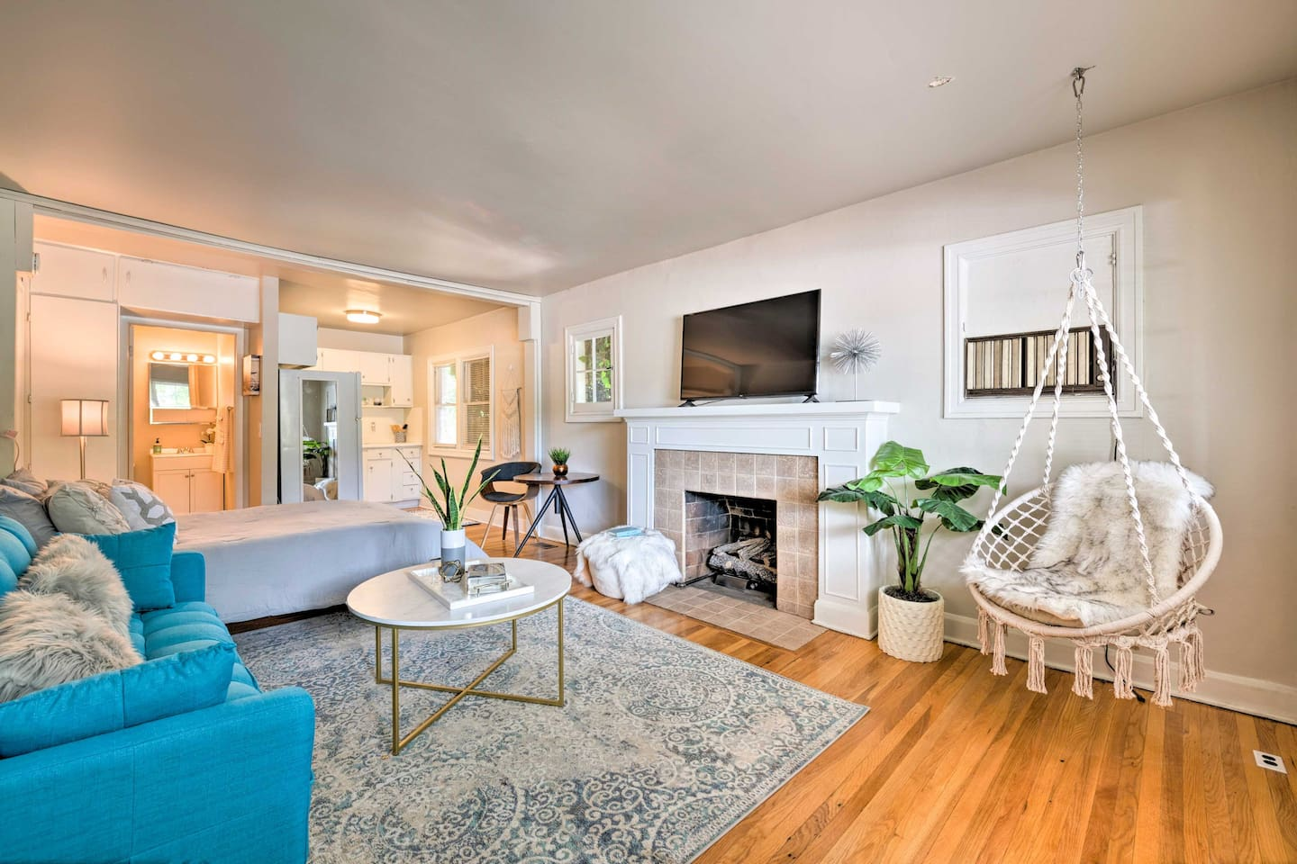 Make this charming studio your new home-away-from-home in Salt Lake City!