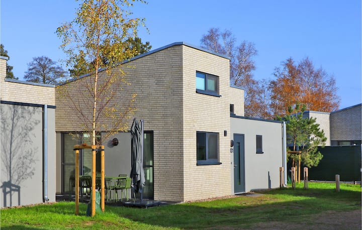 Stunning home in Lembruch/Dümmer See with Sauna, WiFi and 2 Bedrooms